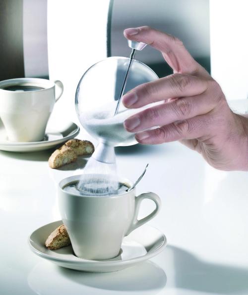 zuckerstreuer erst studienarbeit dann im handel erhaltlich von alexander sibbert der nach verschiedenen stationen zb bei zack jetzt sigg als tupperware
